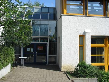 Schulgarten im Mai 2006